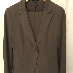 Taupe Express 2-piece suit